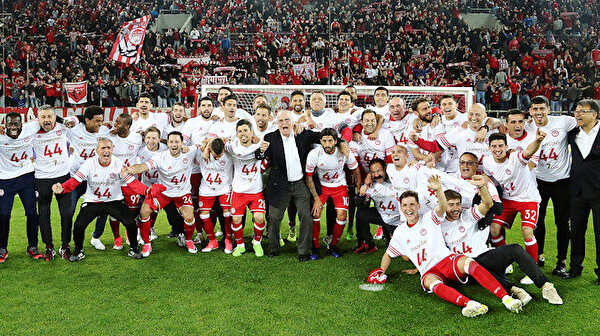 Greek Super League suspended amid strike by referess