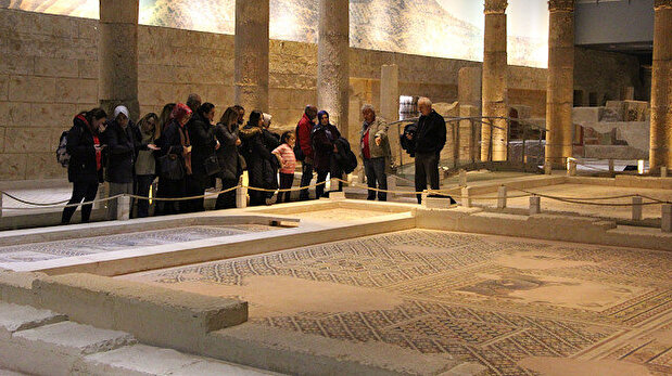 Returned from US, 12 pieces of Roman-era 'Gypsy girl' mosaic go on show in Turkey