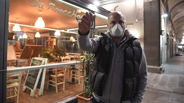 Restaurant owners protest closures amid bankruptcy in Italy