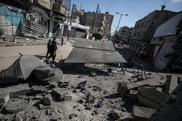 Israel launches fresh attacks on civilians in Gaza