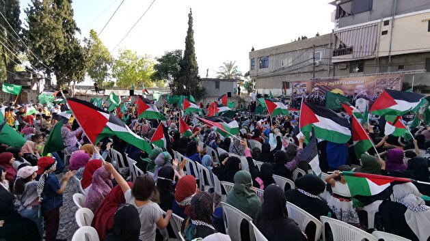 Palestinians in Lebanon demonstrate in support of Gaza