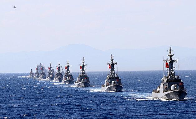 Turkish Def Min addresses navy personnel during East Med drills