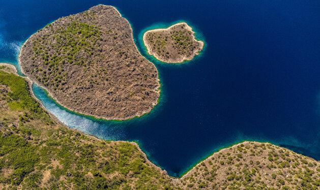 Stunning views of Turkey's Lake Nemrut will take your breath away!