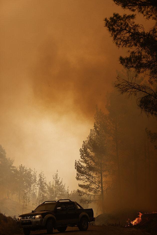 Efforts underway to extinguish fires ravishing Turkey's Antalya
