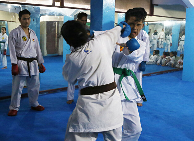 Young refugees practice Karate in Indonesia