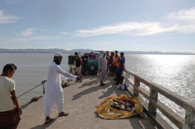 Rohingya refugee boat capsizes on way to Bangladesh, killing 12