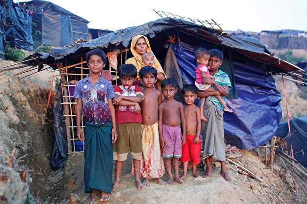 Rohingya refugee boy works to support his family