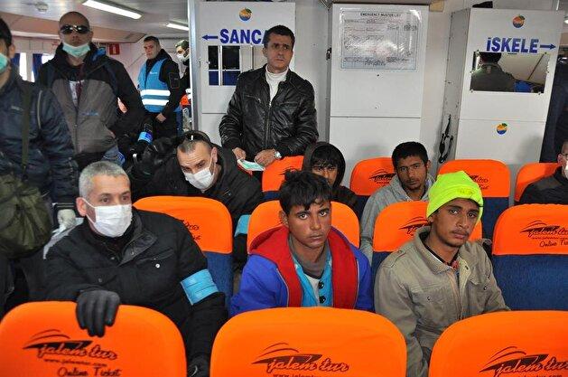 بدء إعادة المهاجرين من اليونان إلى تركيا