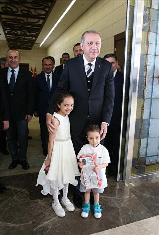 Erdoğan gives Aleppo's 'Twitter girl', family Turkey ID