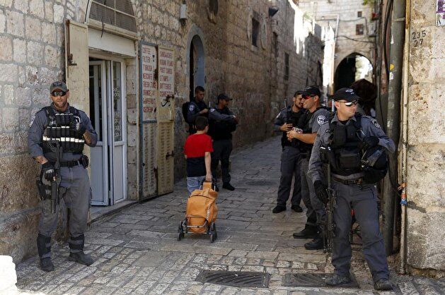 Palestinians rejoice lifting of restrictions on Al-Aqsa