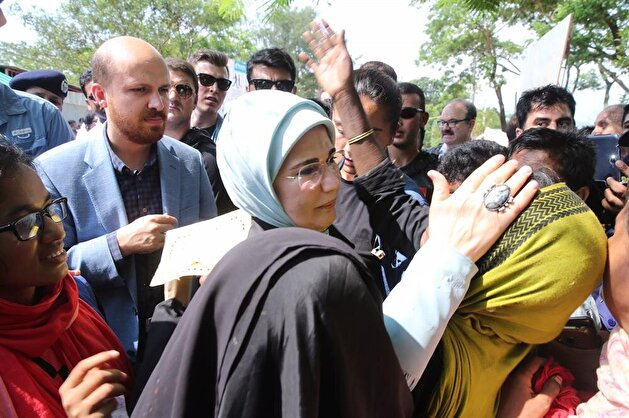 عقيلة أردوغان تعرب عن تأثرها الشديد من وضع مسلمي أراكان