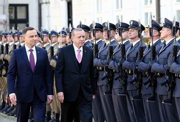 Polish President Duda welcomes President Erdoğan with official ceremony