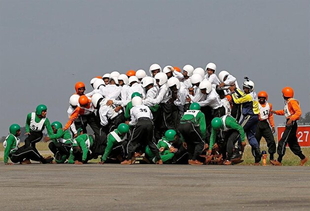 Indian army sets world record of 58 men riding on a motorbike