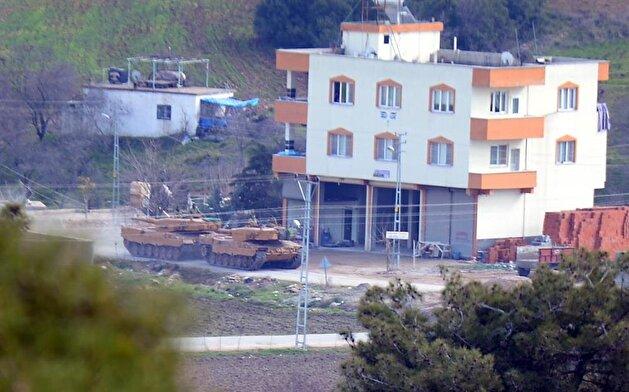 الجيش التركي يُرسل تعزيزات جديدة إلى الحدود السورية