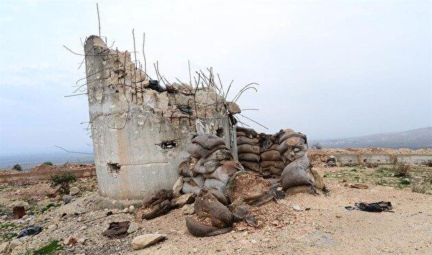بالصور.. شاهد تحصينات الإرهابيين في تلة صاقارقايا بعفرين