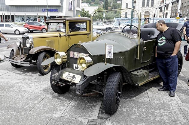Vintage cars and motorcycles turn heads in Sarajevo
