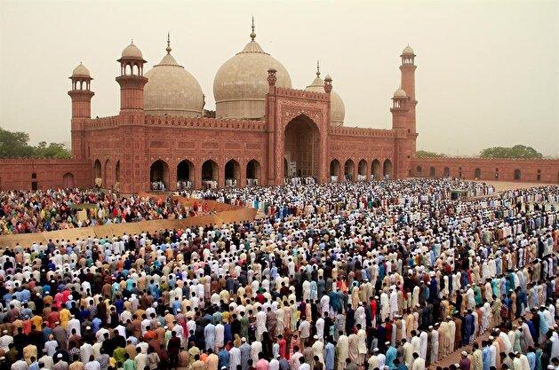 Celebrating Eid al-Fitr in Pakistan