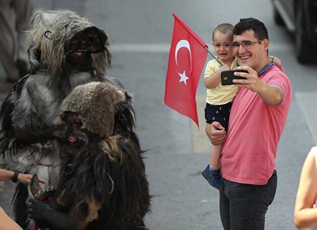 96 year old Turkish tradition: 'Tulutabaklar'