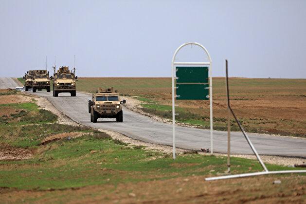 US patrols near Turkish border with SDF terrorists