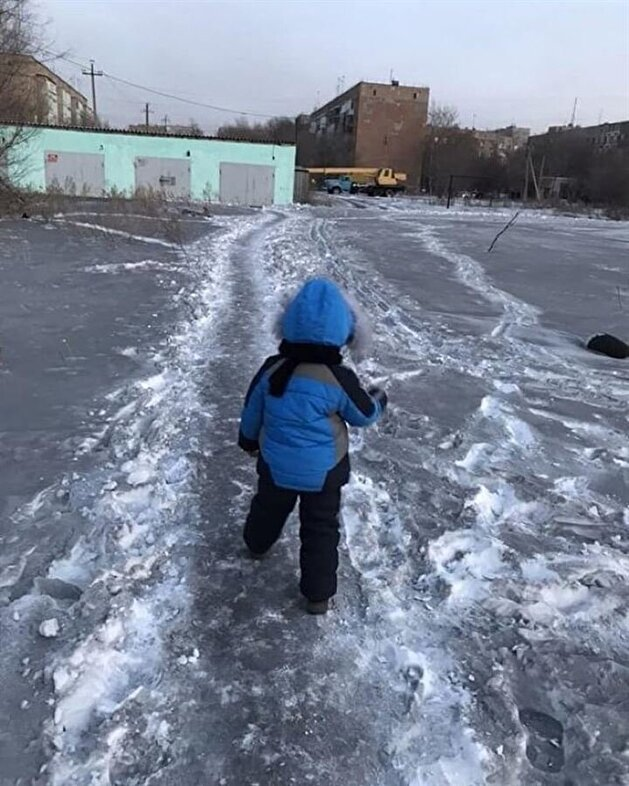Toxic black snow covers towns of Siberia