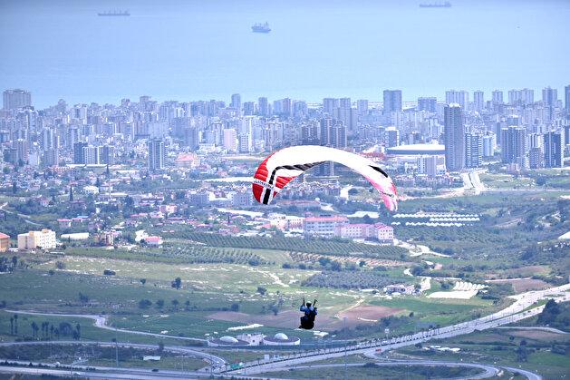 Parachutists new frequent destination 'Gelincik Hill'