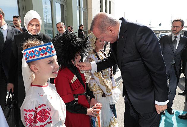 Children from different countries perform on Turkey's Children's Day