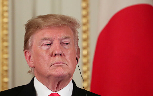 US President Donald Trump and Japan's Prime Minister Shinzo Abe hold a news conference in Tokyo