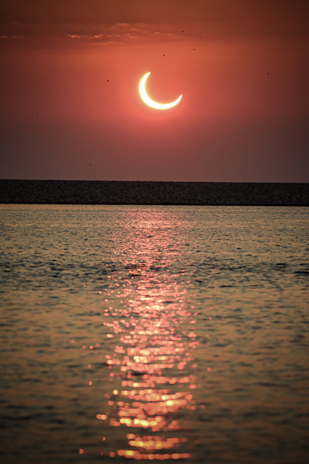 Dazzling solar eclipse across the world