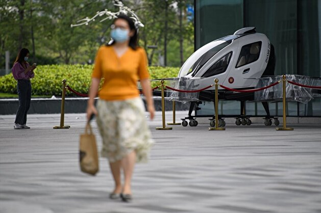 The world's first passenger-carrying drone display in Guangzhou