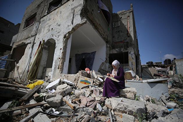 """""""سجى"""".. فنانة فلسطينية تحول أنقاض منزلها للوحات فنية"""