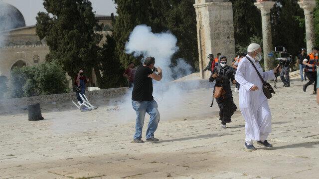 Hundreds of Palestinians injured as Israeli police storm Al-Aqsa