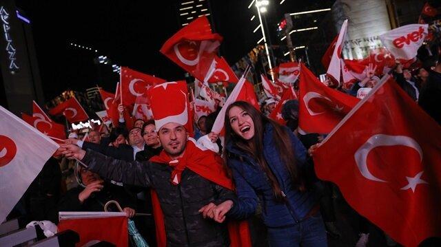 Turks celebrate nationwide after historic referendum victory