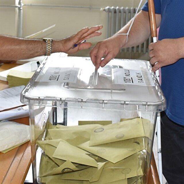 Ten foreigners posing as observers in Turkey's elections to face trial