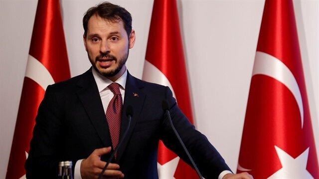 Turkish lira firms against dollar ahead of Albayrak presentation