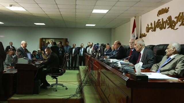 New Iraqi parliament convenes for 1st time since polls