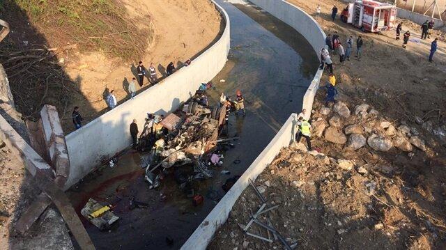 İzmir haberleri: İzmir'de göçmenleri taşıyan kamyon devrildi! 22 ölü