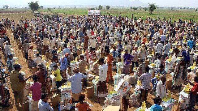 تركيا توزع مساعدات إنسانية على 13 ألف يمني