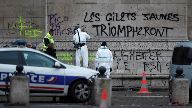 Paris riots hurt French tourism and transport stocks