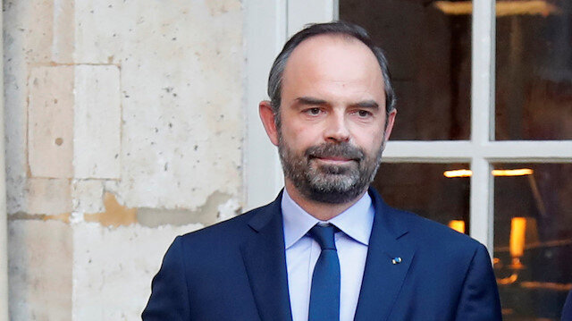 French PM meets opposition as Macron seeks way out of 'yellow vest' crisis