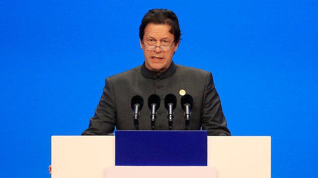 Pakistan PM meets US peace envoy, pledges help on Afghan war