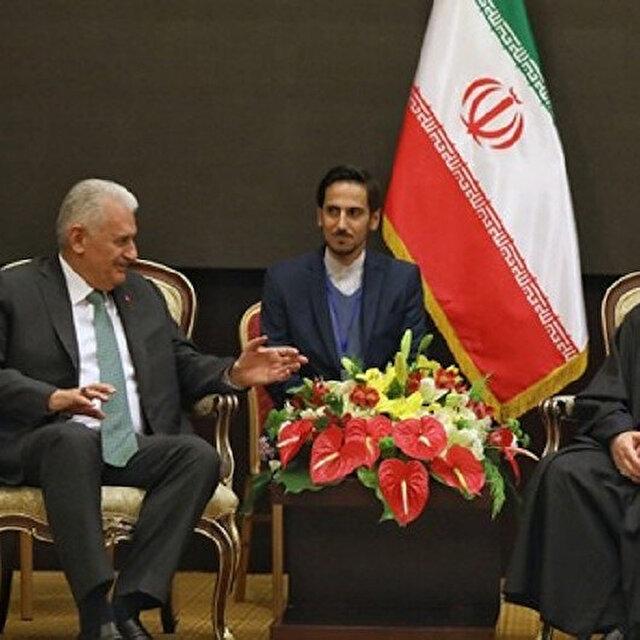 روحاني: نرغب بتعزيز علاقاتنا مع تركيا في كافة المجالات
