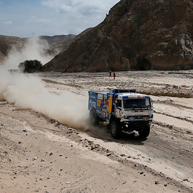 Rallying-Dakar truck driver excluded after collision with spectator