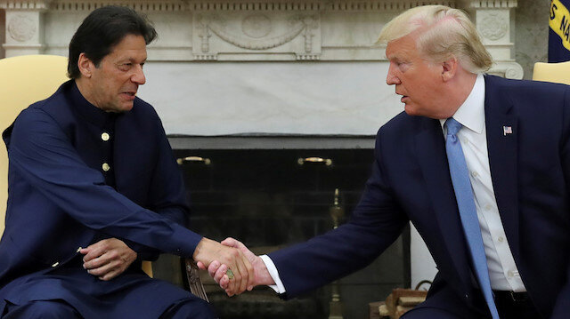 Trump, Pakistan's Khan discuss reducing tension with India over Kashmir