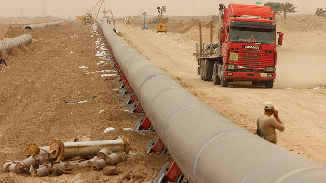 Iran building $1.8 BLN oil pipeline to terminal outside Gulf