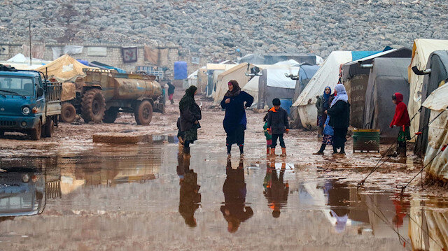 Over 300,000 displaced in Idlib, says Turkish interior minister