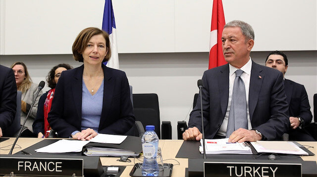 Turkish defense min. meets British, French counterparts