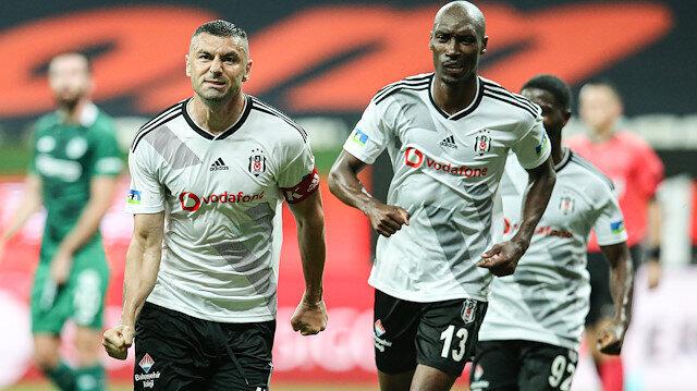 Beşiktaş'ta Burak Yılmaz fırtınası: Hem atıyor hem de attırıyor