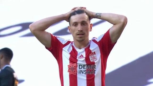 """Sivassporlu Mert Hakan Yandaş'ın penaltısı gündem oldu: """"Panenka penaltısı mı denedi?"""""""