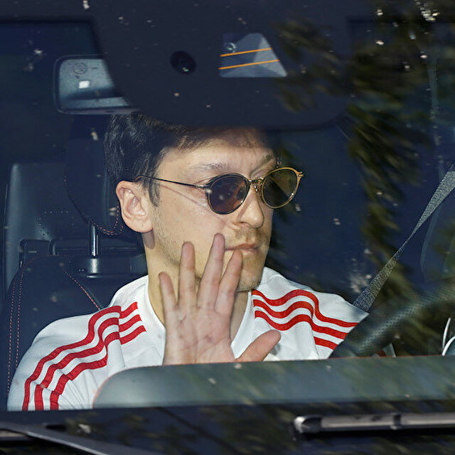 Mesut Özil'den Fenerbahçe'ye 'şartlı' evet