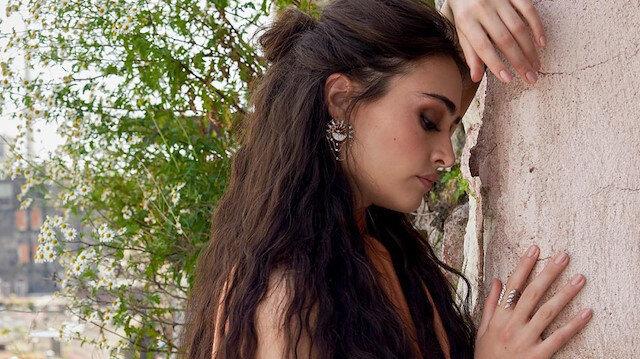 Ertugrul's Halime Sultan transformed into fairytale princess for Pakistani photo shoot